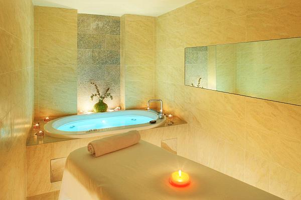 indoor-spa-with-massage-table