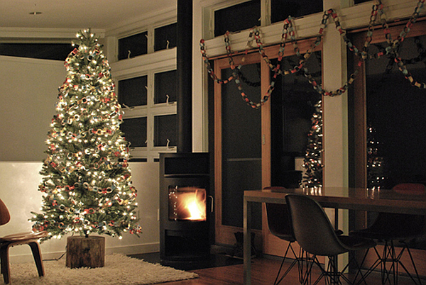 DIY Rustic Christmas Tree Stand Brings An Eco Friendly Holiday Cheer