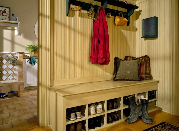 shoe storage mudroom