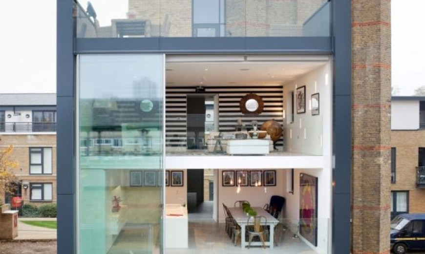 Fluid Design: Water Tower in London Transformed into a Contemporary Luxury Home