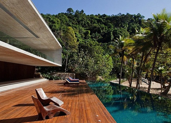 Paraty House in Rio brings indulgent dreams alive with the sea, sand and stunning views