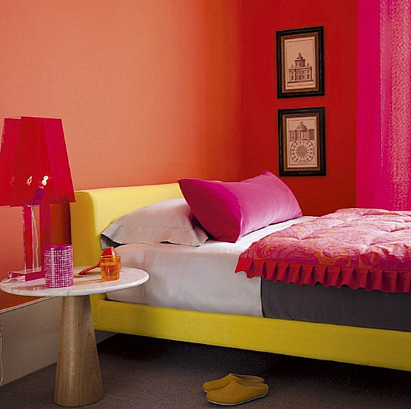 A vivid compact bedroom