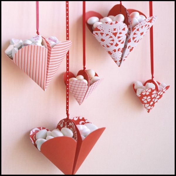 Brilliantly crafted Bonbon-filled Hearts are loaded with fun