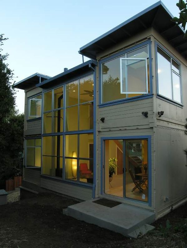California container home looks just like a traditional structure