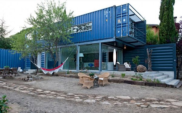 Casa El Tiamblo Shipping Container Home