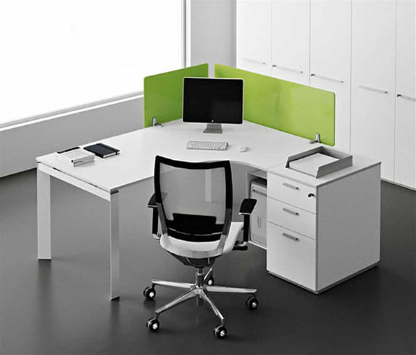 Compact corner office desk