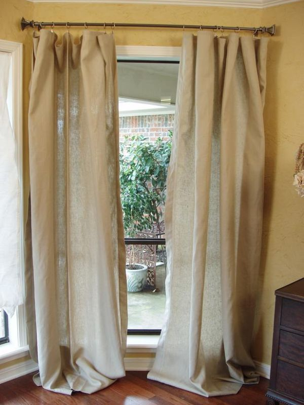 DIY Curtains made by upcycling a tablecloth
