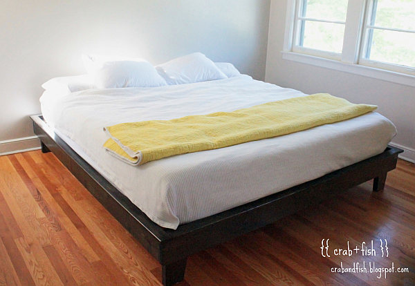 DIY floating platform bed with king size mattress
