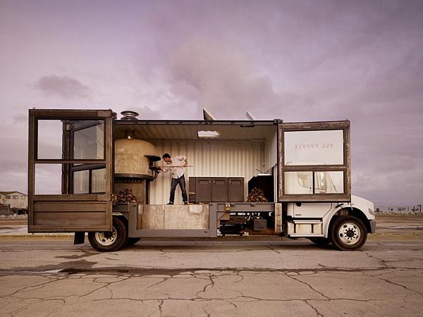 Del Popolo Mobile Pizzeria Truck
