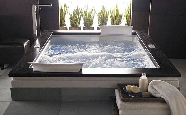 Elegant whirlpool tub with wooden border