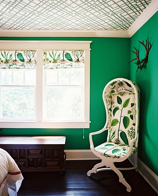 Emerald green bedroom walls decoist for Bedroom paint ideas green