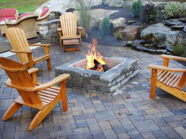 View in gallery DIY built in stone fireplace - 12 DIY Inspiring Patio Design Ideas