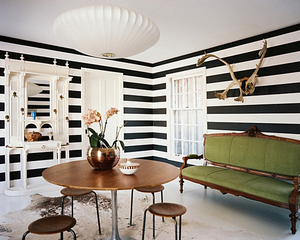 Horizontal stripes make a room seem larger