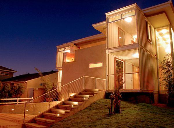 Redondo Beach House by DeMaria Design