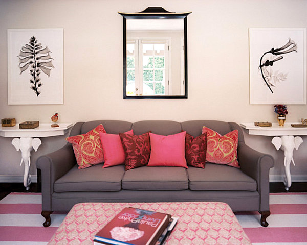 Rosy details in a traditional living room