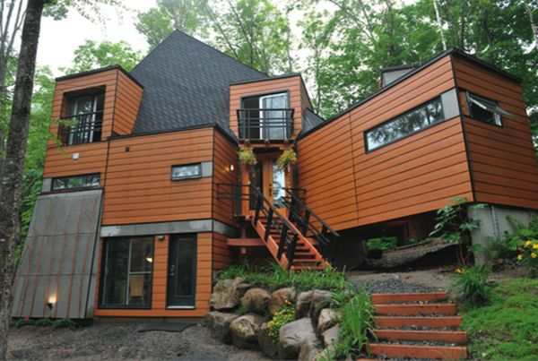 Shipping container home in Quebec