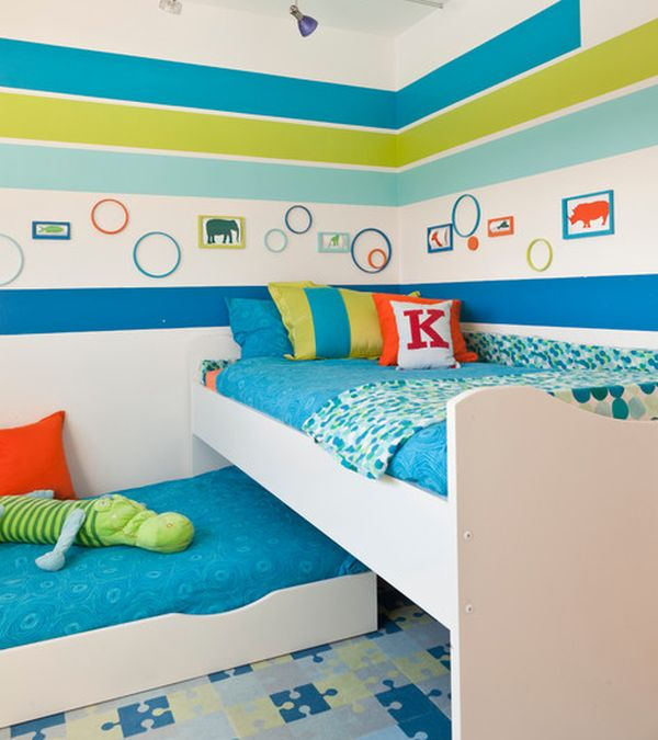 Snazzy trundle bed design blends in with the multitude of hip colors