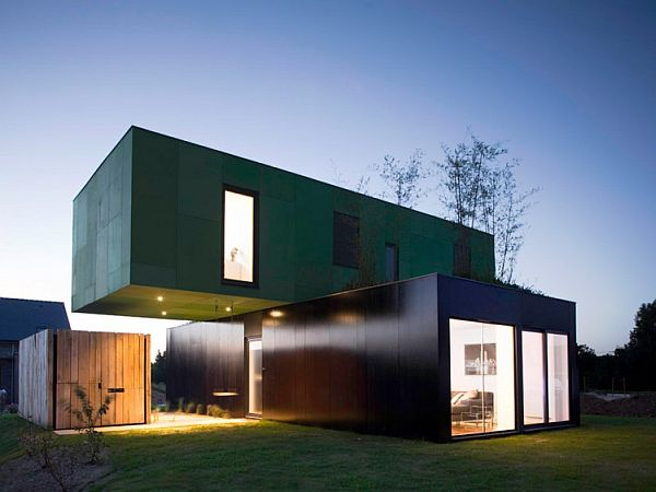 Striking form and aesthetic exterior of CrossBox Container Home