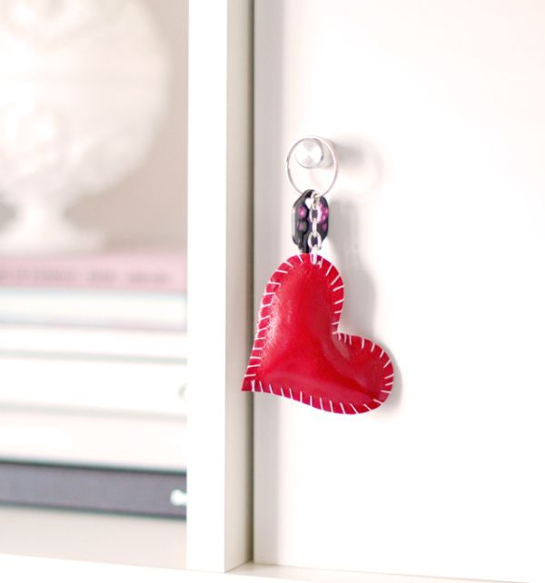 Stylish and useful DIY heart key ring