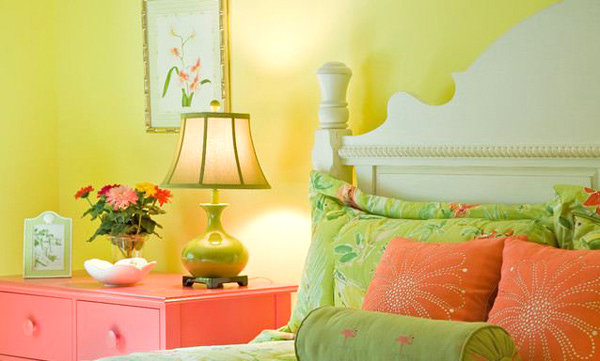 Traditional acid yellow bedroom