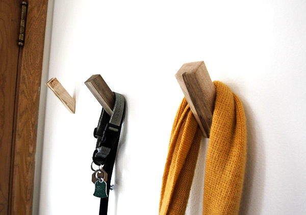 Wooden wall hooks 10 Wall Hooks to Organize Your Space in Style