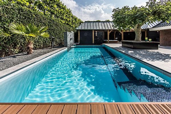 contemporary backyard pool