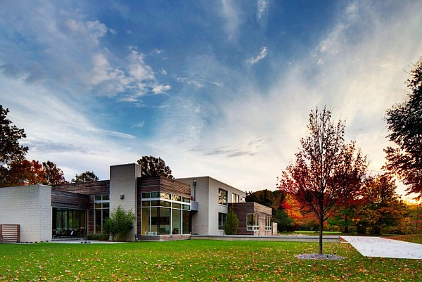 contemporary home ohio Contemporary Home in Ohio With Bright, Bold Interiors