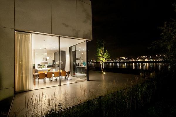 dining area with corner window