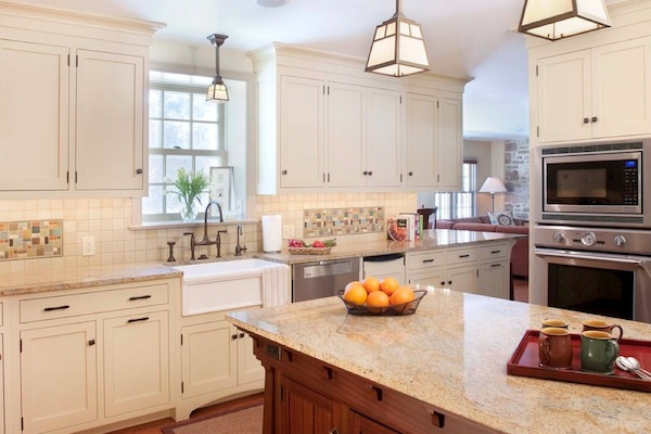 lighting kitchen ideas Under Cabinet Lighting Adds Style and Function to Your Kitchen