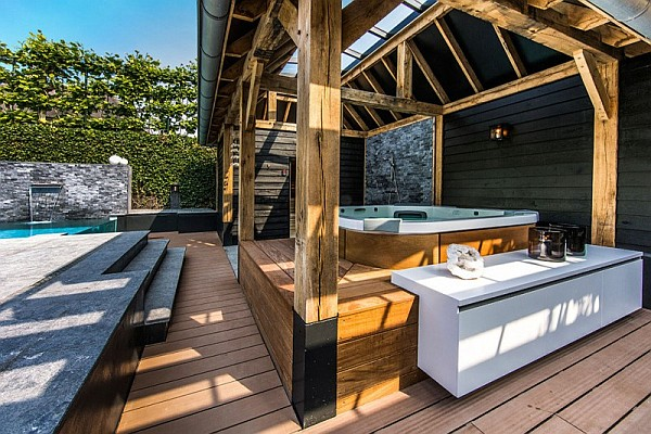 luxury jacuzzi patio