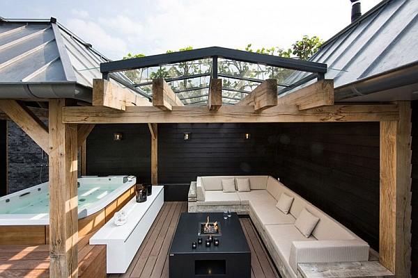 modern jacuzzi patio