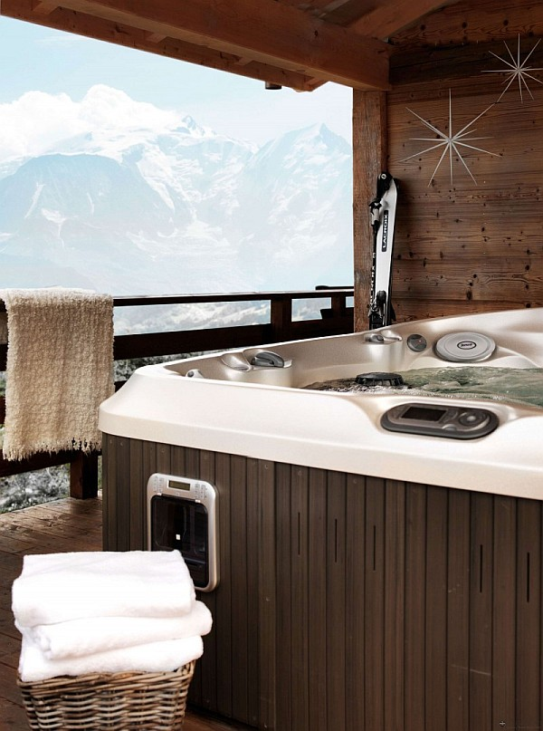 Rustic one oak chalet in the french alps charms with its for A french touch salon