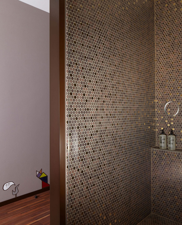 polka dots bathroom