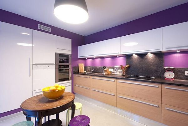 Beautiful purple walls in the kitchen