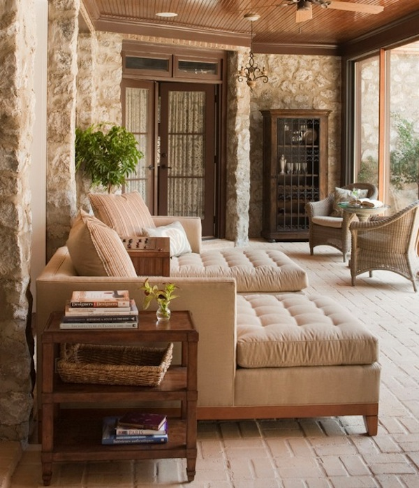 Sunroom Furniture on Traditional Style Living Room Sofas