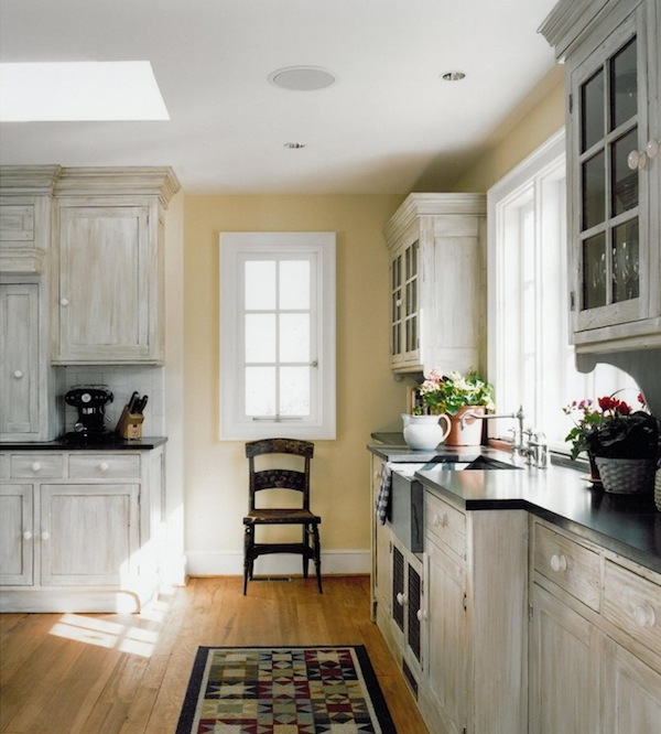 White washed furniture and interiors that inspire - Whitewashed oak cabinets ...