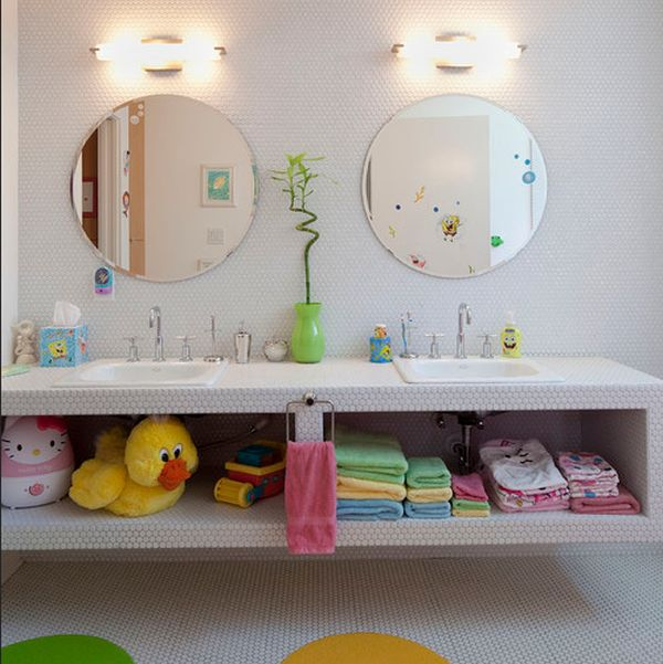 23 kids bathroom design ideas to brighten up your home for Kids bathroom accessories