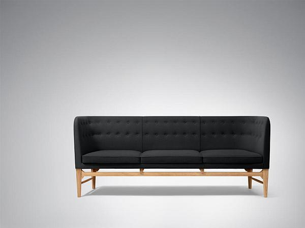 Arne Jacobsen Mayor Sofa by &Tradition