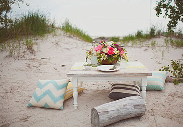 Beachy wedding table
