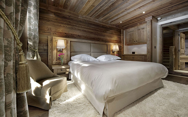 Courchevel Ski Chalet - bedroom