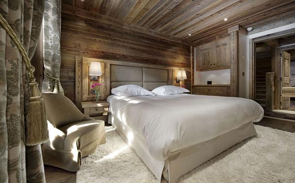 Courchevel Ski Chalet – bedroom