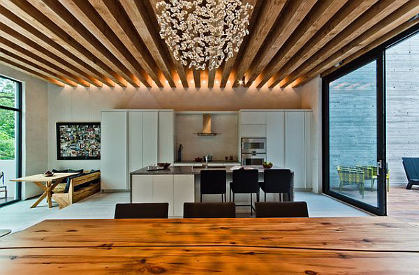 Exposed beams in modern residences 2 Homes With Exposed Wooden Beams Are Simply Charming!