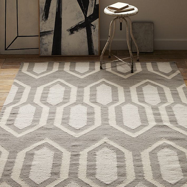Geometric dhurrie rug