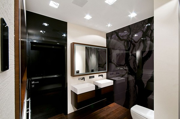 Glass wall in the bathroom