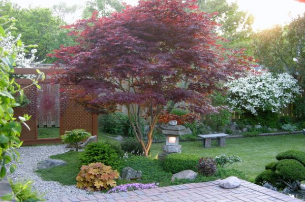 28 japanese garden design ideas to style up your backyard for Interesting garden designs