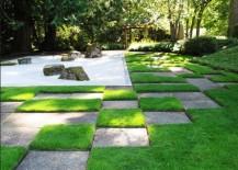 Japanese-gravel-garden-with-a-distinct-pattern-217x155