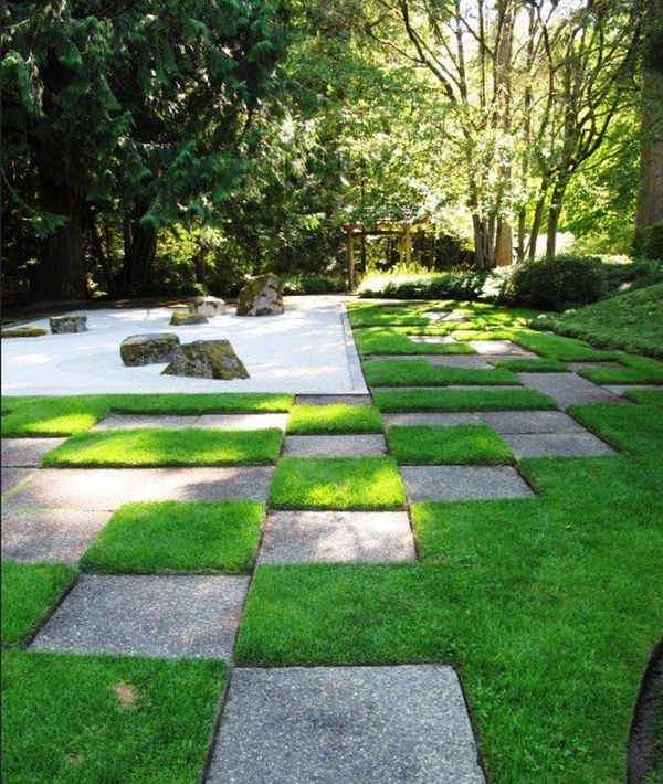 View in gallery Japanese gravel garden with a distinct pattern