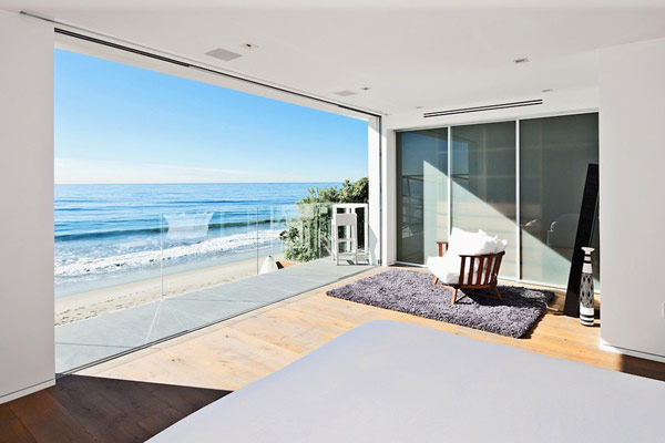 Beautiful Home Design With Modern Vintage Interior Ocean View Beach House Combines Contemporary Interiors With Unending Ocean Views