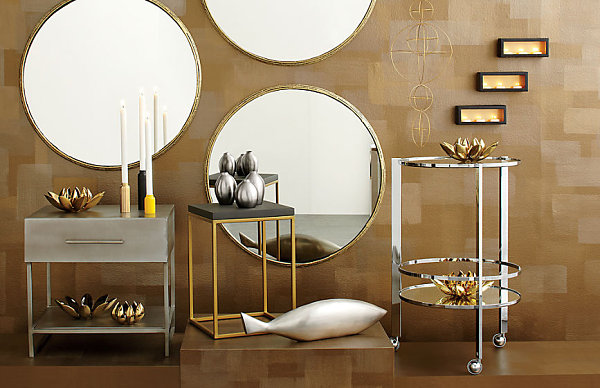 Metallic accessories for the home