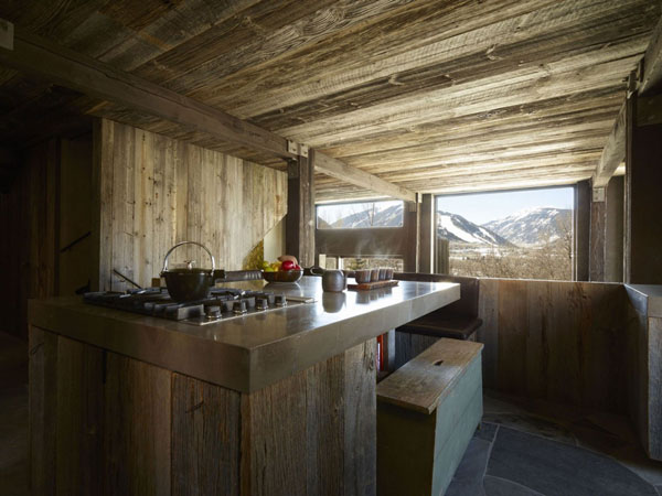 Modern wood kitchen 5 Delightful Modern Kitchens Wearing a Wooden Skin